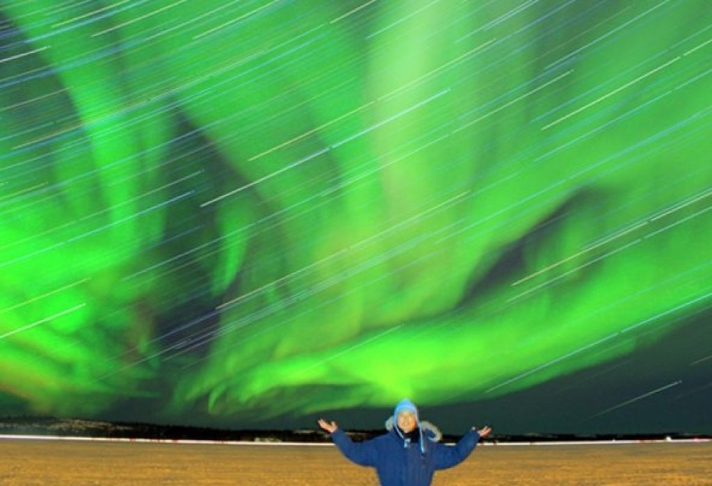 Decide to cycle around the world while looking at Northern Lights in Canada